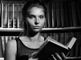 Девушка из библиотеки